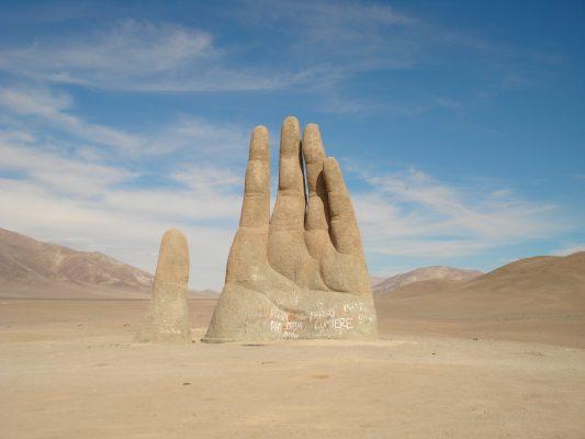 Co skrywa pustynia Atakama – ogromna ręka i Biblijni Giganci